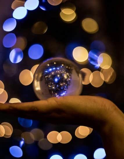 Стъклена,кристална топка